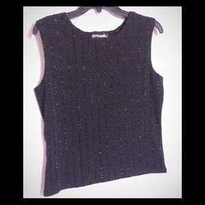 Tops - GIRLFRIENDS Top Size Large